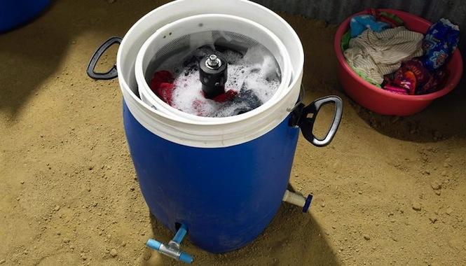 GiraDora la lavadora a pedal que funciona sin electricidad1 GiraDora, la lavadora a pedal que funciona sin electricidad