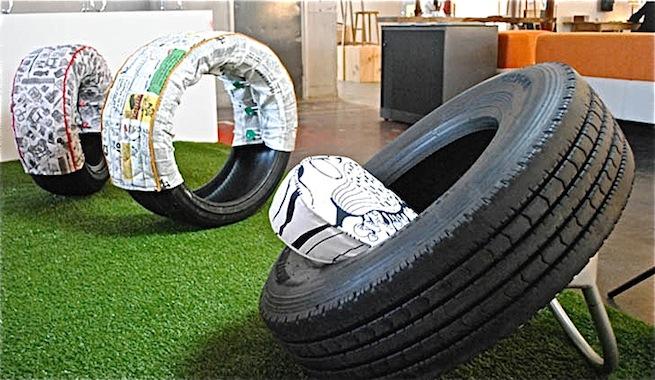 Sillones y taburetes creados con ruedas de cami n for Ideas para hacer sillones reciclados