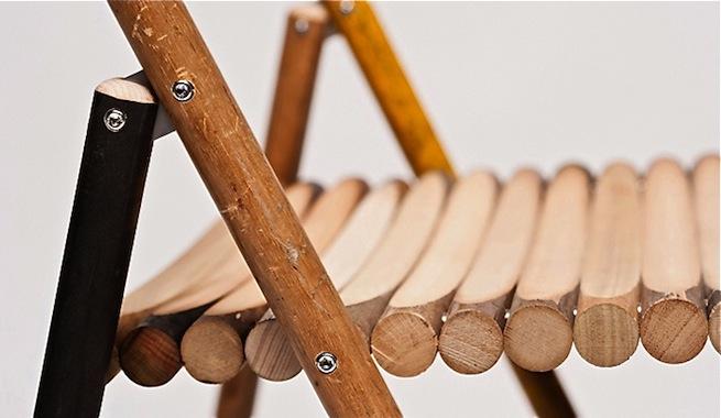 Sillas hechas con palos de escoba reciclados - Como se elabora una silla de madera ...