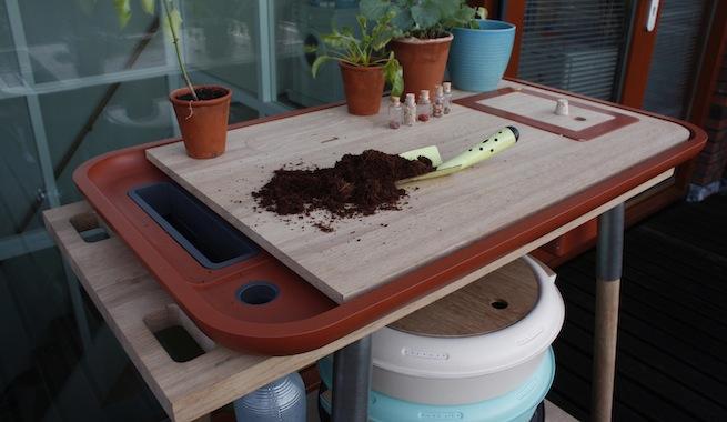 Mueble para cultivar y compostar en casa for Muebles practicos para casas pequenas