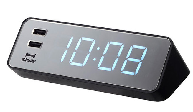 Reloj digital y cargador de dispositivos for Reloj digital de mesa