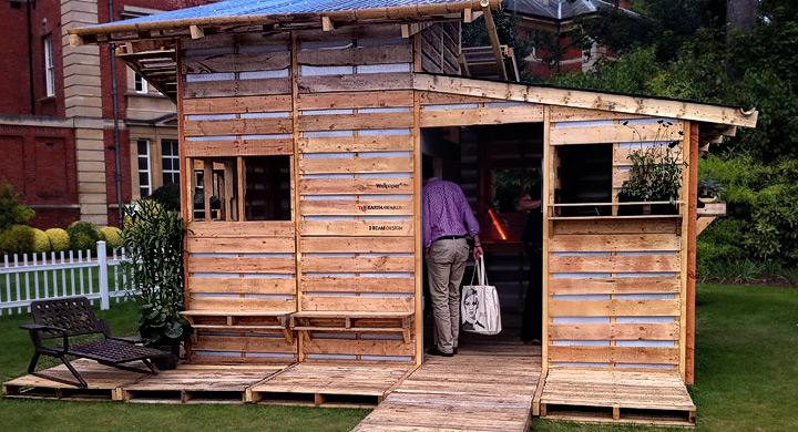 Casas construidas con palets de madera - Como hacer muebles de jardin con palets ...