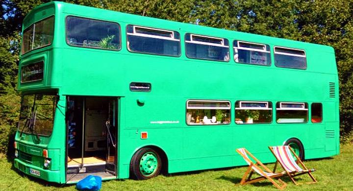 Autob s de dos pisos convertido en hotel de campo - Autobuses de dos pisos ...