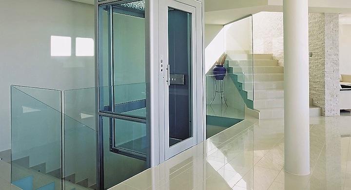 Cambiar el ascensor por la escalera es saludable y ecológico