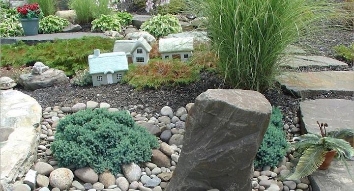 Piedras rio decorar for Decoracion de canteros con piedras