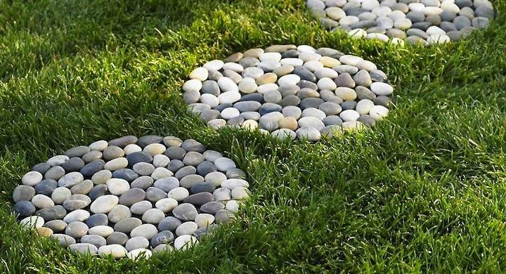 Decorar el jard n con piedras de r o for Gardens with rocks and stones