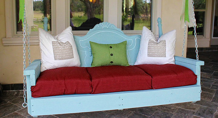 Ideas para decorar el jard n con muebles viejos for Balancines de madera para jardin