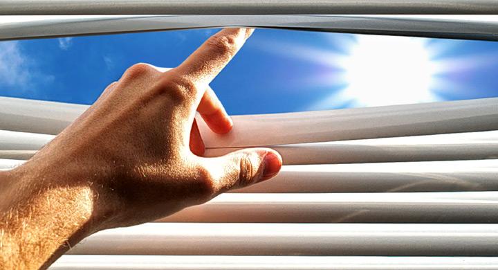 Abriendo la cortina de laminas