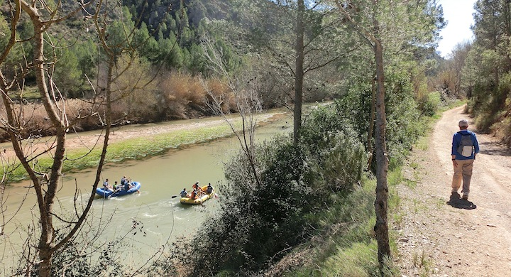 Sendero fluvial