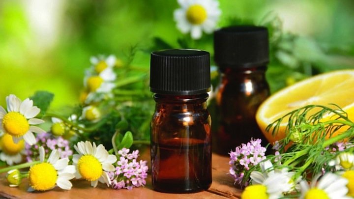 C mo usar los aceites esenciales en casa for Aceites esenciales usos