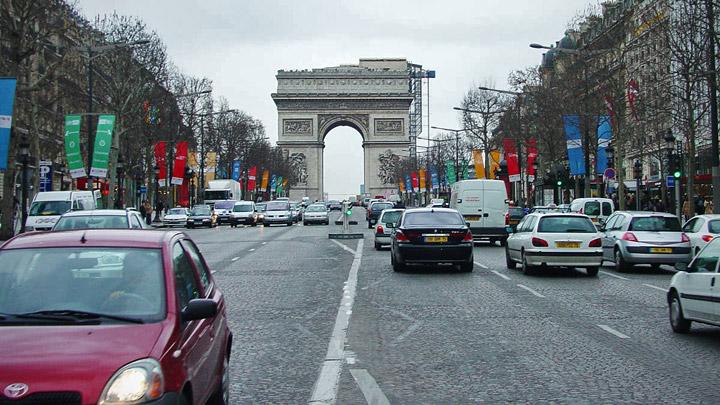 Coches Paris Arco Triunfo