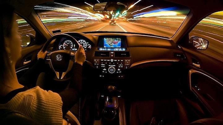Conduciendo noche